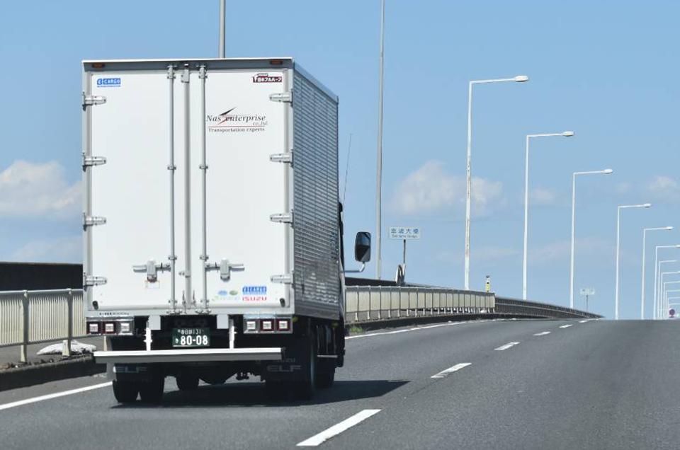 一般貨物自動車運送事業・貨物軽自動車運送事業のイメージ画像